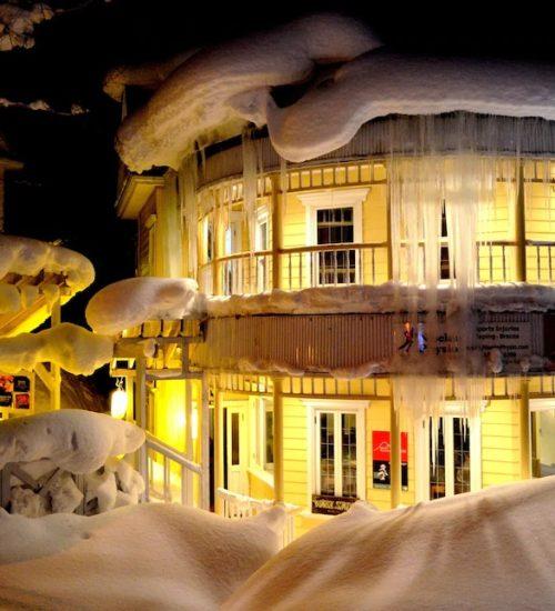 Australia house outside night winter
